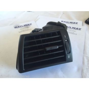 BMW E46 2003 3 SERIES DASH VENT E46 PASSENGER AIR VENT HEATER VENT 64228361897 8361897 B108