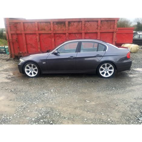 BMW E90 3 SERIES 2005 330i 6 SPEED AUTO SPARKLING GRAPHIC PARTS SPARES BREAKING QUOTE *160