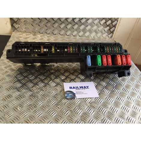 BMW 2004 5 SERIES E61 FRONT FUSE BOX POWER DISTRIBUTION BOX E60 E61 E63 5613290 B392 *342