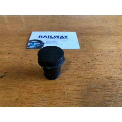 OEM BMW 1 SERIES F20 LIGHTER SOCKET STOPPER PLUG 8222183 B105 *397