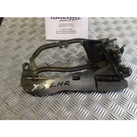 BMW E53 2000-2006 X5 DOOR HANDLE CARRIER PASSENGER SIDE FRONT & REAR E53 51228243635 B313 B314